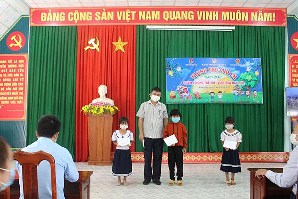 Trung tâm Bảo trợ Đắk Lắk: Trẻ em có hoàn cảnh đặc biệt khó khăn có Tết Trung thu an toàn, vui và đầm ấm giữa đại dịch Covid-19 - Ảnh 2.