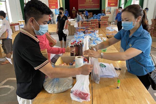 Bắc Giang: Cần 310 tỉ đồng để hỗ trợ cho 67.000 công nhân đang cách ly - Ảnh 1.