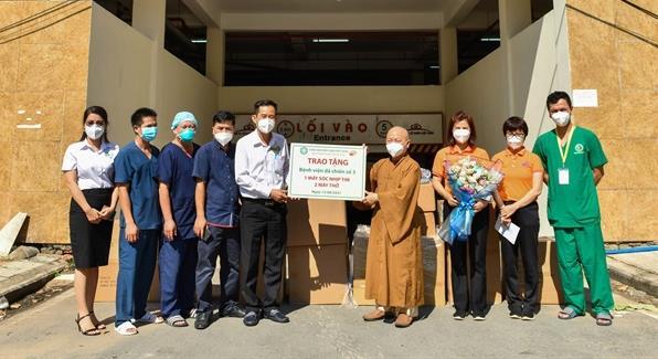 Tăng ni, phật tử TP Hồ Chí Minh chung tay phòng chống đại dịch Covid 19 - Ảnh 2.