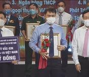 Tập đoàn Đoàn Công nghiệp Cao su Việt Nam  ủng hộ Quỹ Vaccine phòng chống Covid-19 200 tỷ đồng