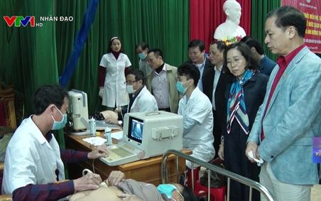 Hoạt động chăm sóc sức khỏe cho người dân thiệt hại bởi bão lũ VTV1 Ngày 14 12 2020
